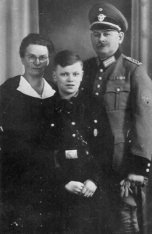 nazi schutzstaffeln  ss  reichssicherheitshauptamt rsha