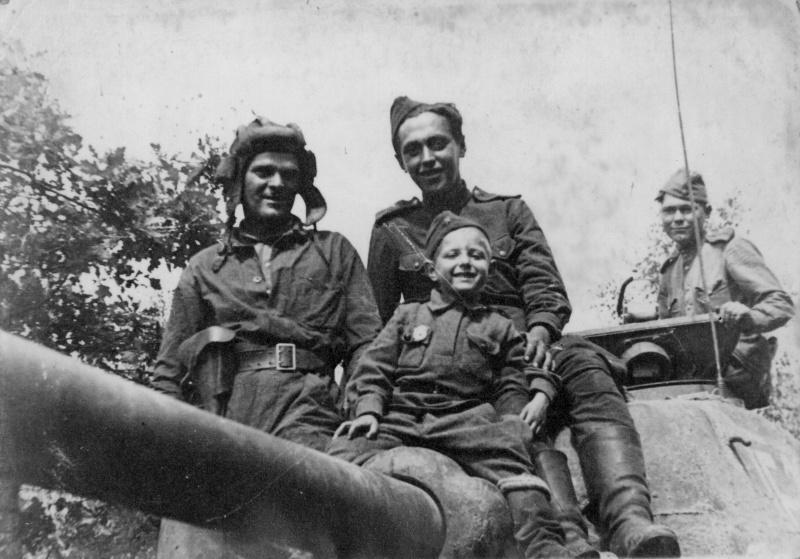 world war ii soviet red army mediumm tanks